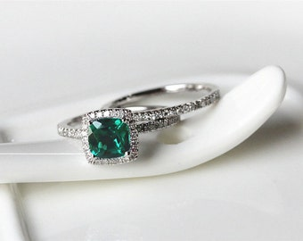 2PCS CushionCut 6x6mmTreated Emerald Ring14K White Gold Pave Diamond Ring/Half Eternity/Halo EngagementRing/Wedding Ring/AnniversaryRing Set