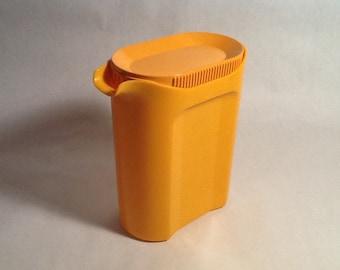 Rosti Mepal Tangerine Pitcher Juice Ice-Catcher Lid Plastic Orange Pitcher