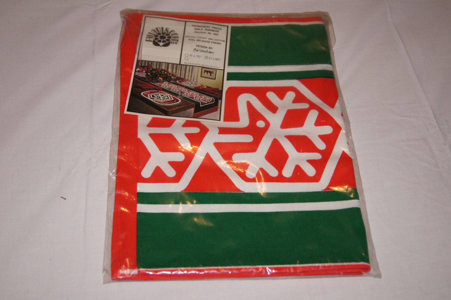 Vintage 1970 39 S Christmas Holiday Table Cloth Runner