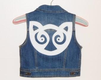 Celtic Cat applique on girls new denim vest.
