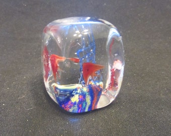 Vintage Art Glass Collectible Tropical Fish Paperweight