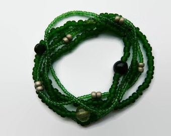 Seed bead bracelets green, friendship bracelet. Set of 5. Stretch, green glass beads, metal  beads silver color