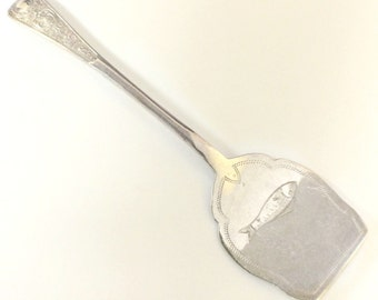 Vintage Electroplated Beautiful Fish Engraved Spatula