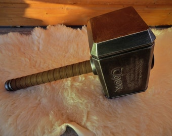 Inspired in THOR's Mjölnir for Larp - Cosplay