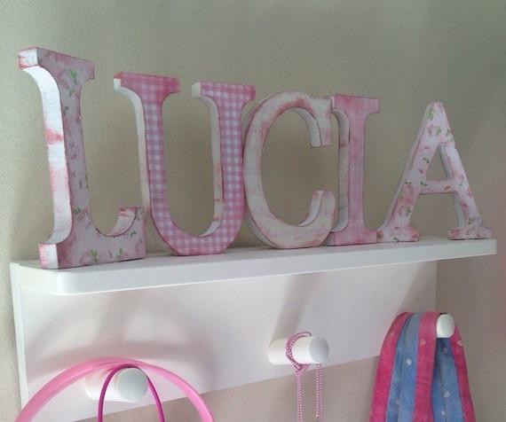 Art culos similares a perchero infantil con nombre de letras decoradas en etsy - Letras decoradas infantiles ...
