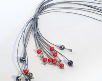 Red coral with gray, inspired by nature, long lariat necklace, Statement lariat necklace, beaded necklace