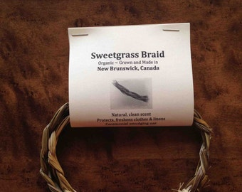 Canadian organic sweetgrass braid grown, made in New Brunswick. Approx 2ft or longer. Handcut to preserve roots. Smudging, linen freshener.