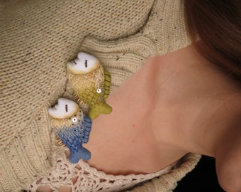"""Felt brooches """"Fish"""", 2 colours available, pin, felted brooch, fish brooch, handmade"""
