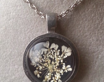 Real Queen Anne's Lace Necklace