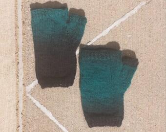 Midnight blue fingerless gloves