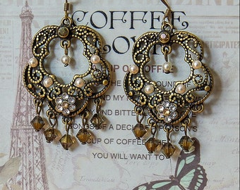 Chandelier earrings with Pearls and Swarovski elements