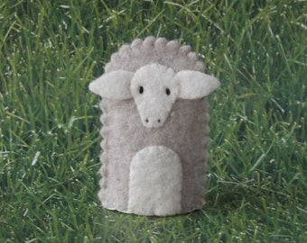 Sheep Finger Puppet Oatmeal n Cream - Felt Sheep Puppet - Felt Farm Animal Finger Puppet - Felt Animal Finger Puppet Lamb