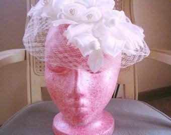 SALE Vintage 1940s Hat white floral fascinator birdcage hat wedding 40s
