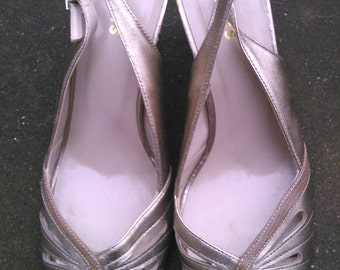 Vintage Gold Size UK6 EUR 39 1990s