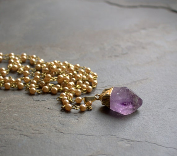 Long Beaded Necklace, Raw Amethyst, Raw Stone Jewelry, Amethyst Pendant, Long Pendant Necklace Long Bohemian Necklace Raw Stone Cream Pearls