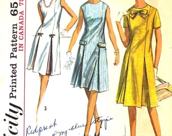 Dress with Inverted Pleats and Trims Bust 34 Simplicity 5913