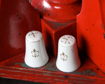 "Fleur-de-lis Miniature Salt and Pepper Shakers - 1 1/2"" Tall - Made in Japan - Individual Shakers - Gold fleur-de-lis on White"
