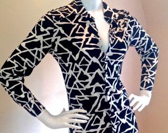 Vintage 1970's Bold Black & White Triangular Geometiric Patterned Shirt