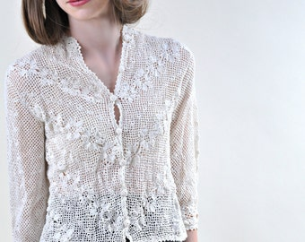 1940s Crochet Button Down Cropped Blouse Ivory White Lace Top XS to S