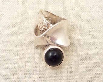 SALE --- Size 7.75 Vintage Handmade Sterling Matrix Ring with Onyx Accent