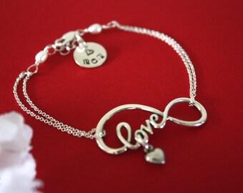 Mom Infinity Bracelet Silver, Initial Charm, Infinite Jewelry, Sterling Silver, Mother Bracelet, Grandma, Friendship, Monogram Mom Bracelet