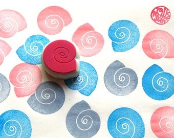 spiral shell stamp. hand carved rubber stamp. diy beach wedding. birthday scrapbooking. gift wrapping. party favor bags. summer crafts