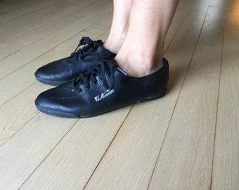 The Vintage L.A. Gear Black Leather Sneakers Size 8