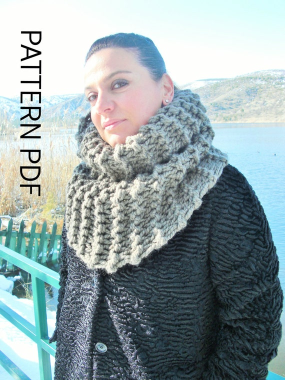Womens Cowl Chunky Cowl Knitting PATTERN PDF Beginner DIY