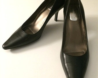Vintage Shoes Women's 90's Calvin Klein, Heels, Black, Leather (Size 4)
