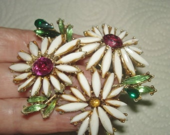 Flower Signed Art Rhinestone  Brooch White  Gold Tone