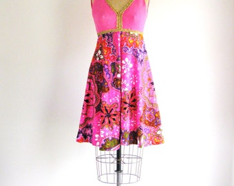 Vintage 1960s Pink Dress Psychedelic Painted Floral A-Line Go Go Party Dress XS/S