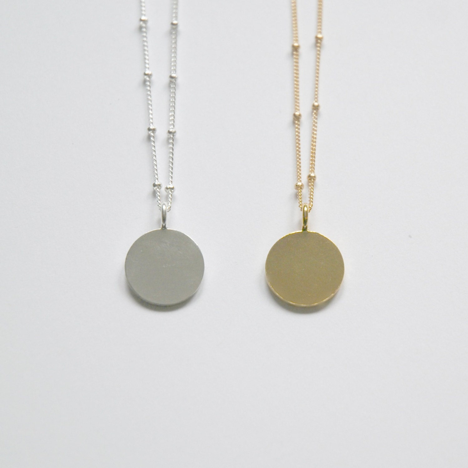 round characters in the necklace Her friend lends her a necklace what makes mathilde loisel a round character in the necklace is sodapop from the outsiders a flat or round character.