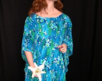 Mod Vintage 1970's Accordion Pleated Hawaiian Caftan Blouse or Mini Dress - 'One Size Fits All'