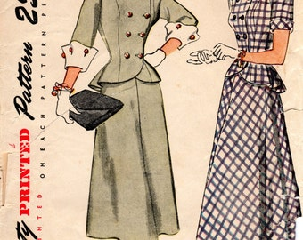 Vintage Pattern 1940s Suit with Peplum Jacket Flared Skirt - Simplicity 1866 - Bust 29
