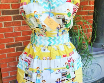 Lovely Novelty Print Full Apron