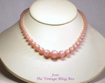 Single Strand Pink Pearl Moonglow Beaded Choker Necklace with Graduated Pearl Beads & Hidden Clasp - Vintage 50ls Plastic Costume Jewelry