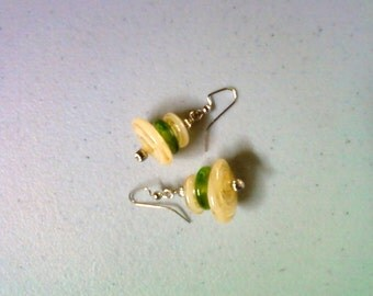 Green and Golden Swirl Glass Earrings (1343)