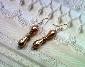 Hammered Taupe Pearl Earrings(1642)