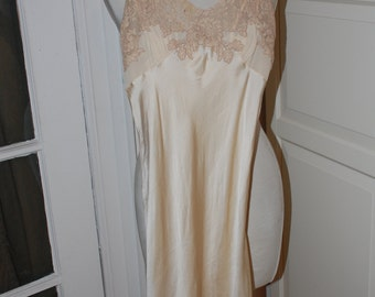 40s 50s Nightgown, Silk Satin, Lace, Lingerie, Champagne, Bridal, Trousseau, Size S/XS