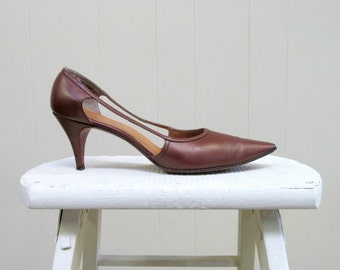 Vintage 1960s Shoes / 60s Brown Andrew Geller Leather Stiletto Heel Pumps / Size 7A US