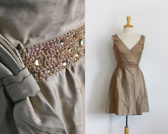 1950s / 1960s taupe rhinestone embellished short cocktail dress size small