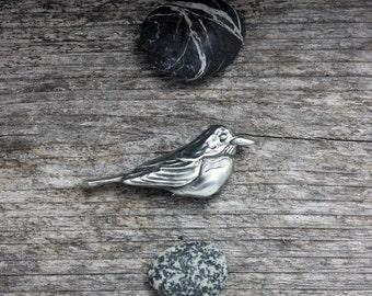 Robin  in silver pewter brooch