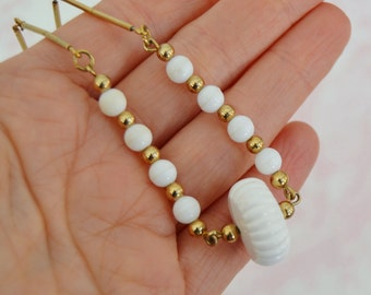 Vintage White Beaded and Gold Metal Choker Necklace