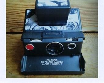 Polaroid SX-70 Alpha 1 Model 2 Land Camera W/ Black and White Flowers - Guaranteed Working