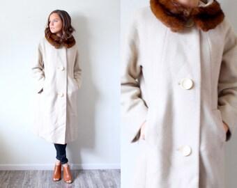 Vintage 1960's fur collar overcoat // tan cream beige overcoat // fur coat // brown mink fur neck collar // Small medium women's tan coat