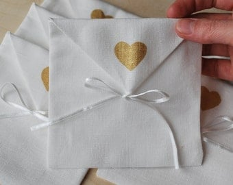 Linen favor /gift /candy envelope style bags. Wedding favors. Off White. Set of 40. Linen bags/ purse.Size : 5 inch x 5 inch ( 13cm x 13cm )