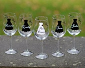 Bridesmaid gift. Bridesmaids gifts, Bridesmaid wine glasses. Pinterest wedding idea