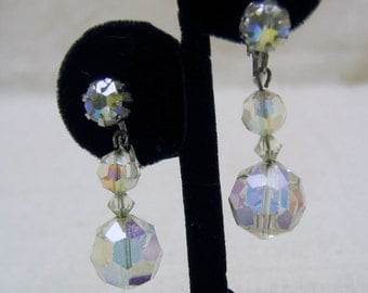 Lovely Vintage Faceted Crystal Drop Clip On Earrings