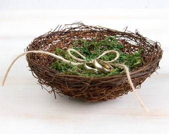 Wedding Ring Bearer Holder Bird Nest Box With Green Moss Rustic bird nest Natural Wedding Pillow Alternative Engagement Ring Box Ring Holder