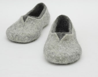 Felted slippers Grey Natural Unisex Natural felt Women home shoes Eco fashion Traditional felt 100% wool Women winter shoes Felted clogs
